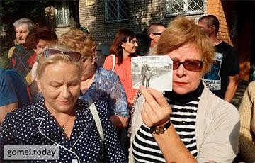 «Готовы стать перед бульдозерами»: Гомельчане вышли на стихийный митинг