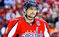 Видеофакт: Овечкин починил шлем паяльной лампой прямо во время матча НХЛ
