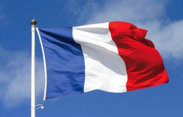Во Франции отменили военный парад ко Дню взятия Бастилии