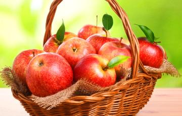 В августе в Беларуси больше всего подорожали яблоки и огурцы