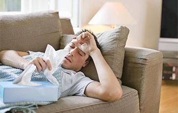 Названы ключевые отличия между симптомами простуды и COVID-19