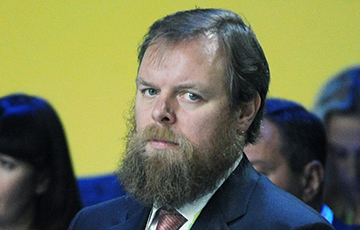 Бежавший на Кипр бизнесмен: Российская политика — это кукольный театр