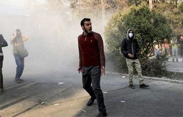 Бунт или революция: Что происходит в Иране?