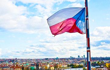 В Чехии зафиксировано 9500 случаев коронавируса в сутки
