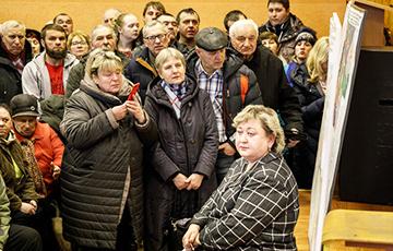Жители Северного поселка подняли на смех чиновников