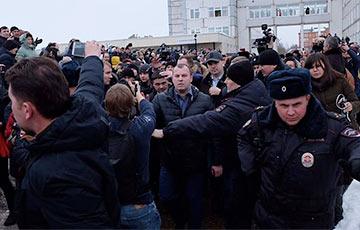 Бунт в Волоколамске: протесты под Москвой вышли на новый уровень