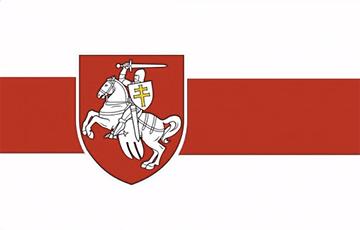 Как устанавливали «Пагоню» и бело-красно-белый флаг на Дом правительства в Минске