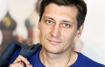 Дмитрий Гудков покинул Россию0