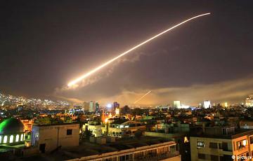 США, Великобритания и Франция нанесли авиаудары по Сирии