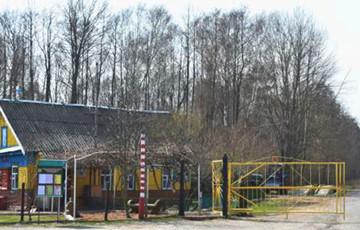 Як на Радаўніцу езьдзяць у Чарнобыльскую зону
