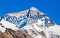 Відэафакт: Ля падножжа Эверэста з'явілася чарга з сотняў чалавек