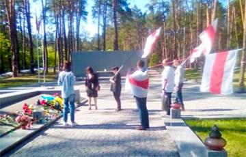 Белорусы почтили под Киевом память жертв политических репрессий