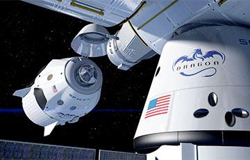 Астронавты первой миссии SpaceX к МКС успешно вернулись на Землю: онлайн-трансляция