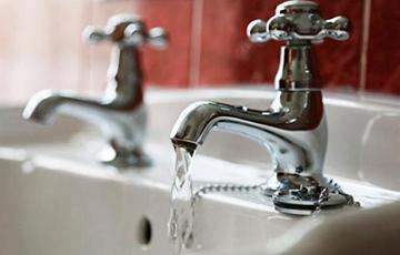Кому в Минске отключат горячую воду в мае