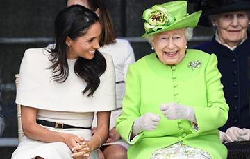 Меган Маркл выбрала платье для первого официального выхода с королевой