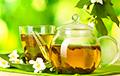 Ученые заявили о противовирусных свойствах соков и зеленого чая