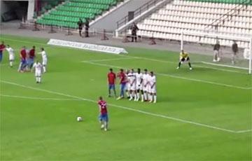 Видеофакт: В чемпионате Беларуси забили самый невероятный гол