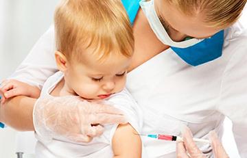 «Такому маленькому – сразу две прививки: зачем эксперименты проводить на детях?»
