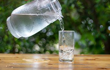 Ученые рассказали, какую воду пить полезнее всего