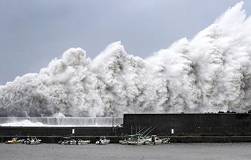 На Японію абрынуўся магутны тайфун