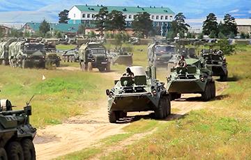 На границе Беларуси с Украиной заметили странную концентрацию военной техники