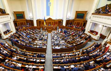 Опрос: в украинскую Раду могут пройти шесть партий