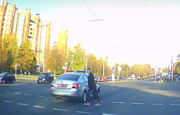 Videofact: Girl Refused To Give Way To Lukashenka's Cortege In Hrodna
