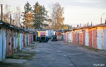Бунт офицеров в Минске: к исполкому вышли 200 человек