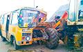 В Вороновском районе школьный автобус врезался во встречный погрузчик