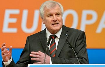 Хорст Зеехофер официально объявил об отставке с поста главы ХСС