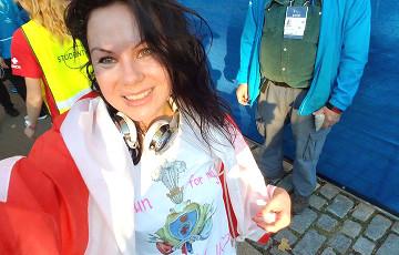 Белоруска финишировала на Нью-Йоркском марафоне под бело-красно-белым флагом