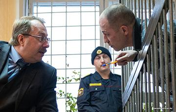 Мать обвиняемого в убийстве двух девушек в Бобруйске: Мой муж был милиционером