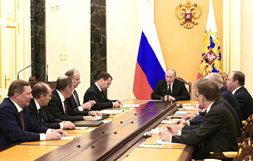 Putin Convened Russian Security Council to Discuss Belarus