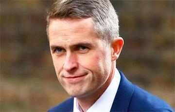 Министр обороны Британии: Россия заплатит за аннексию Крыма и Скрипалей