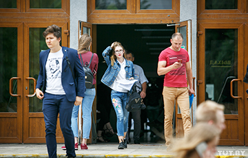 Видеоблогер: «Закон об отсрочках» — удар по белорусскому образованию