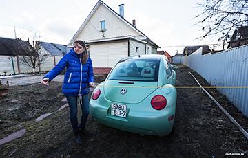 Минчанку судят за «самозахват» земли, которая всегда была въездом в ее гараж