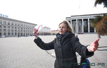 В Минске освободили всех задержанных, кроме Елены Толстой