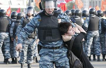 В России бывших сотрудников ОМОН выселяют из квартир