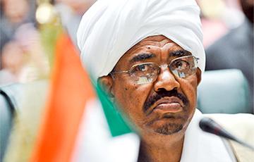 Reuters: Президент Судана ушел в отставку