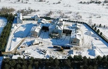 У начальника охраны Медведева нашли дворец с колоннадой на Рублевке