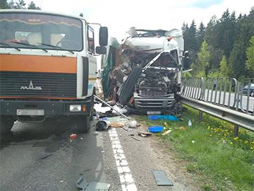 На М1 в Смолевичском районе серьезная авария: движение в направлении России закрыто