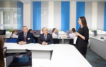 В минской школе прошел первый в Беларуси «облачный урок»