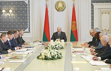 Лукашенко — Румасу: Вы мне больше не пишите эти доклады