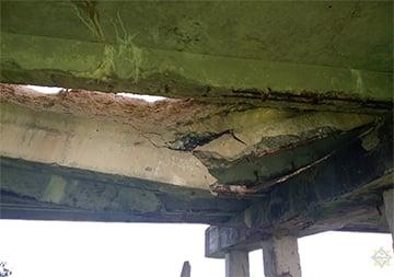 В Червенском районе рушится мост