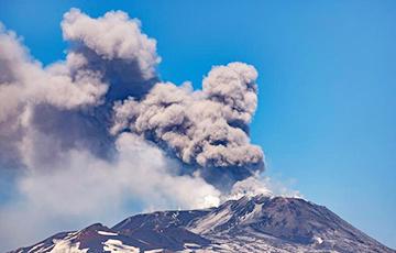 На Карыбах пачалася эвакуацыя насельніцтва праз вывяржэнне вулкана