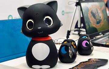 Создан первый кот-робот, реагирующий на касания