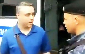 «Американец, свободен!»: Силовики во время митинга в Москве не решилась задержать гражданина США
