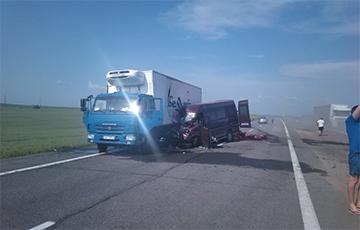 Сур'ёзная аварыя на трасе М1: рух у бок Берасця заблакаваны