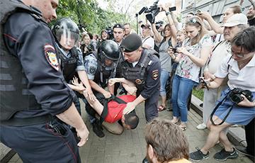 Правозащитники: После марша в Москве госптализирован подросток