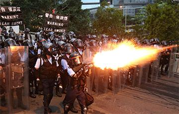 Пасля пратэстаў жыхары Ганконга выйшлі на вуліцы прыбраць за сабой смецце
